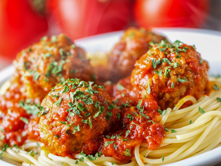 OVEN-BAKED MEATBALLS AND TOMATO SAUCE