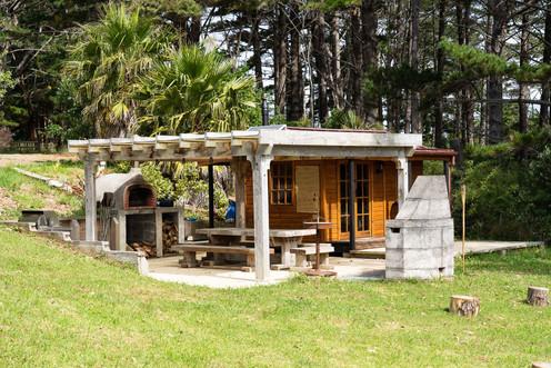 The Potting Shed Cabin & Alfresco Area - Tanglewood Retreat, Waimauku NZ