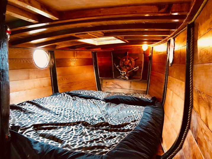 Pirateship Cabin.jpg