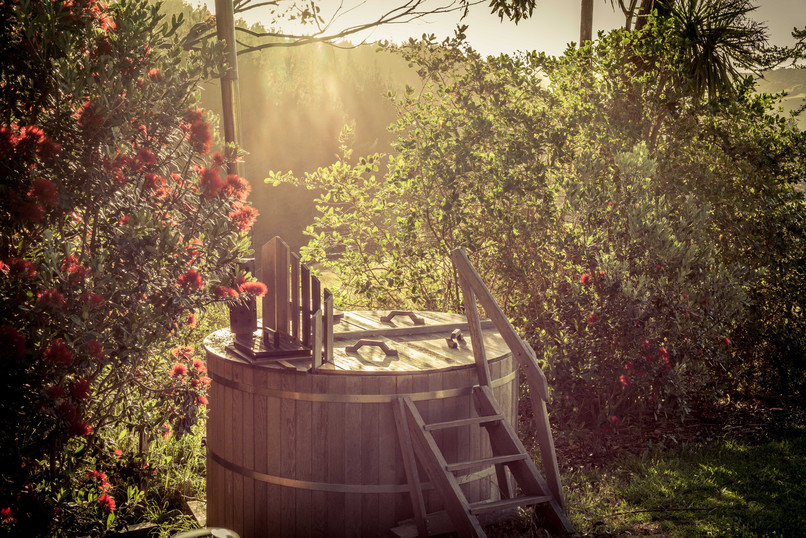 Woodfired Hot Tub - Potting Shed Cabin, Tanglewood Retreat