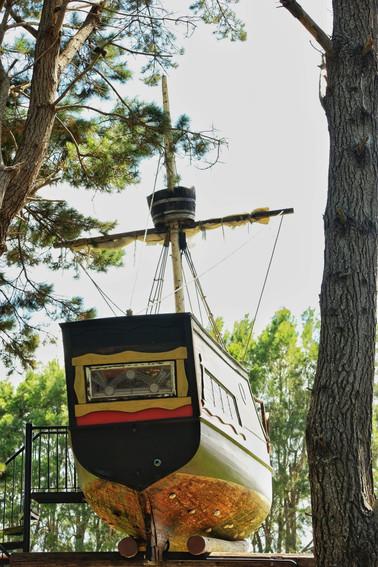 Hinemoana the Pirateship Treehouse at Tanglewood Retreat