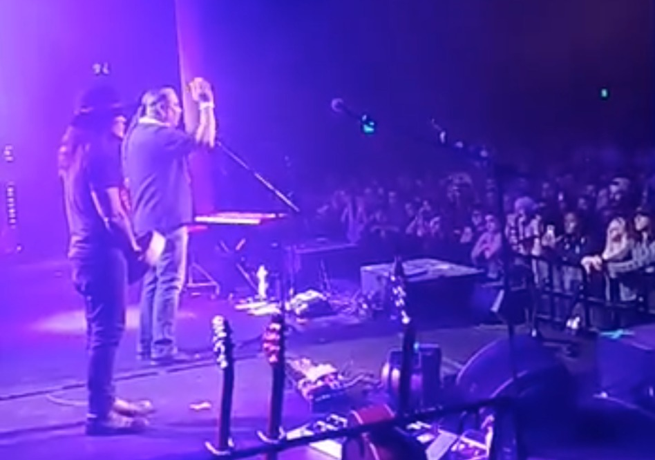 Roberto Borrero with Cliff Mathias opening for Nahko and Medicine for the People in CT, 2019