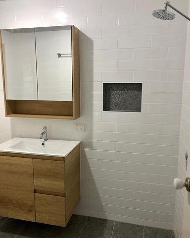 Riveroak Bathroom.jpg