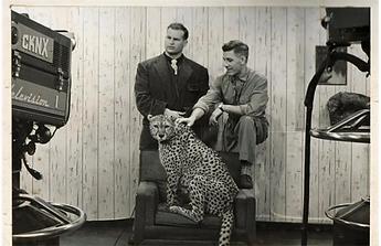 oeming-with-cheetah-tawana-during-1950s-