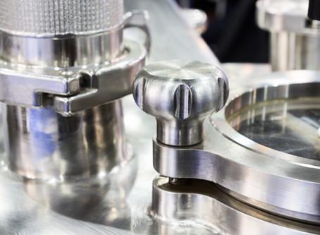 Neue IIoT-Lösung zur Lokalisierung und Steuerung von Edelstahl-Tanks in der Produktion