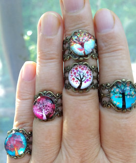 Adjustable filigree ring with Tree of Life cabochon