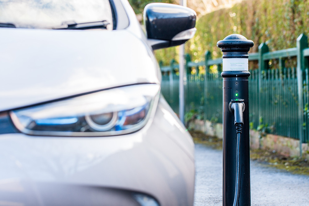 Renault Zoe charging at ubitricity