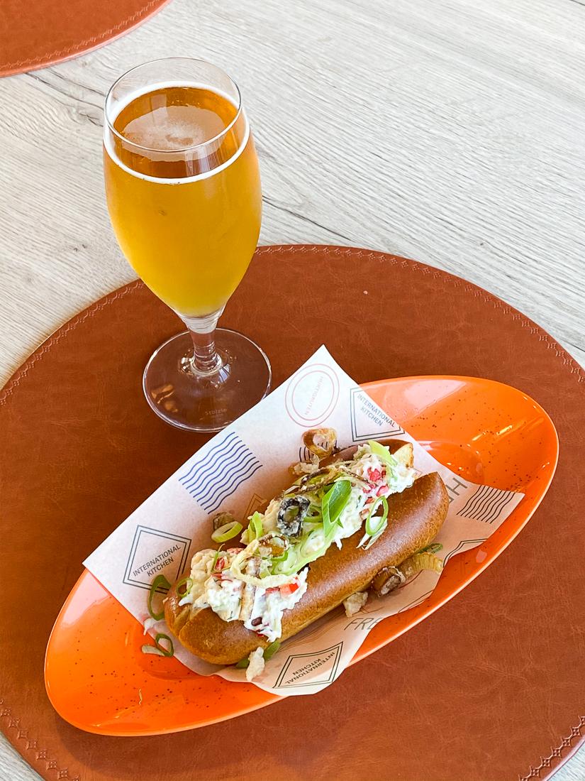 Kongekrabbe-sandwich til lunch