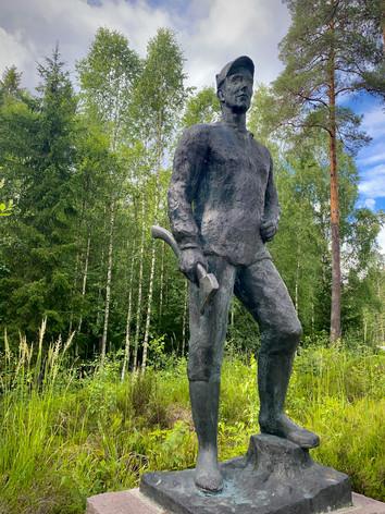 Statue til minne of folket på Setskog