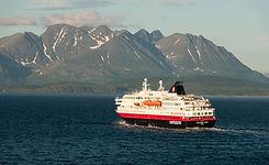 D31_HurtigrutenRichardWith.jpg