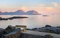 Nyksund_Benk_utsiktMotSjøen