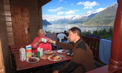 Frokost på Lofthus camping