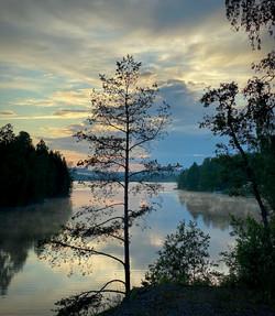 NorgeRundt dag4 fint kveldslys over vann