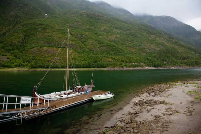 Mosjøen_2012_Nordlandsbåt_ved_kaia.jpg