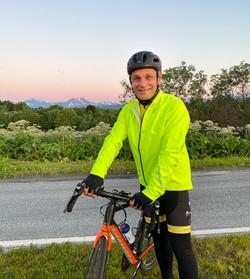 Kapteinen sykler for Team Rynkeby