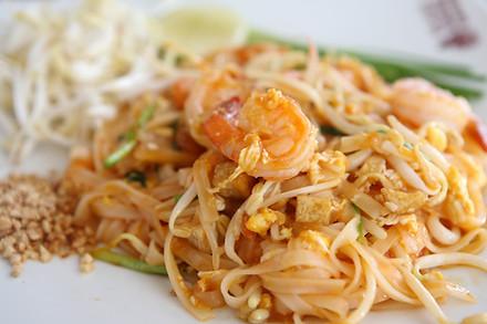 Thai food padthai.jpg