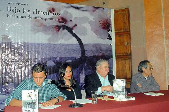 Presentación Bajo los AlmendroFederico de la Vega, Diana Rodríguez, Juan Antonio Isla, Inocencio Reyes.