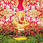Foyer Ganesh with gold embroidered panel