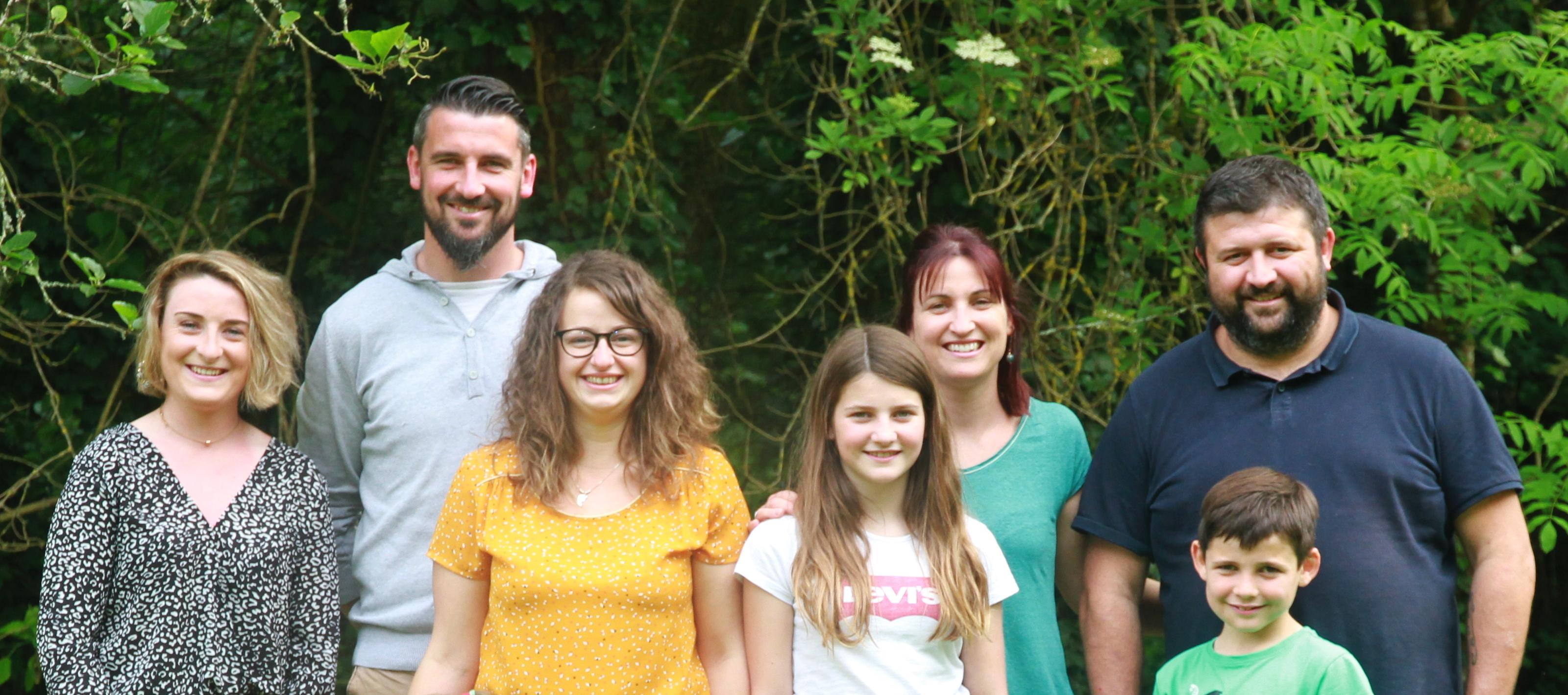 Portrait famille en extérieur