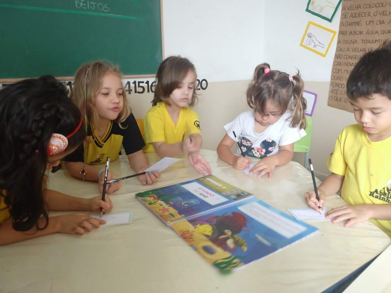 Escola Abelha Rainha