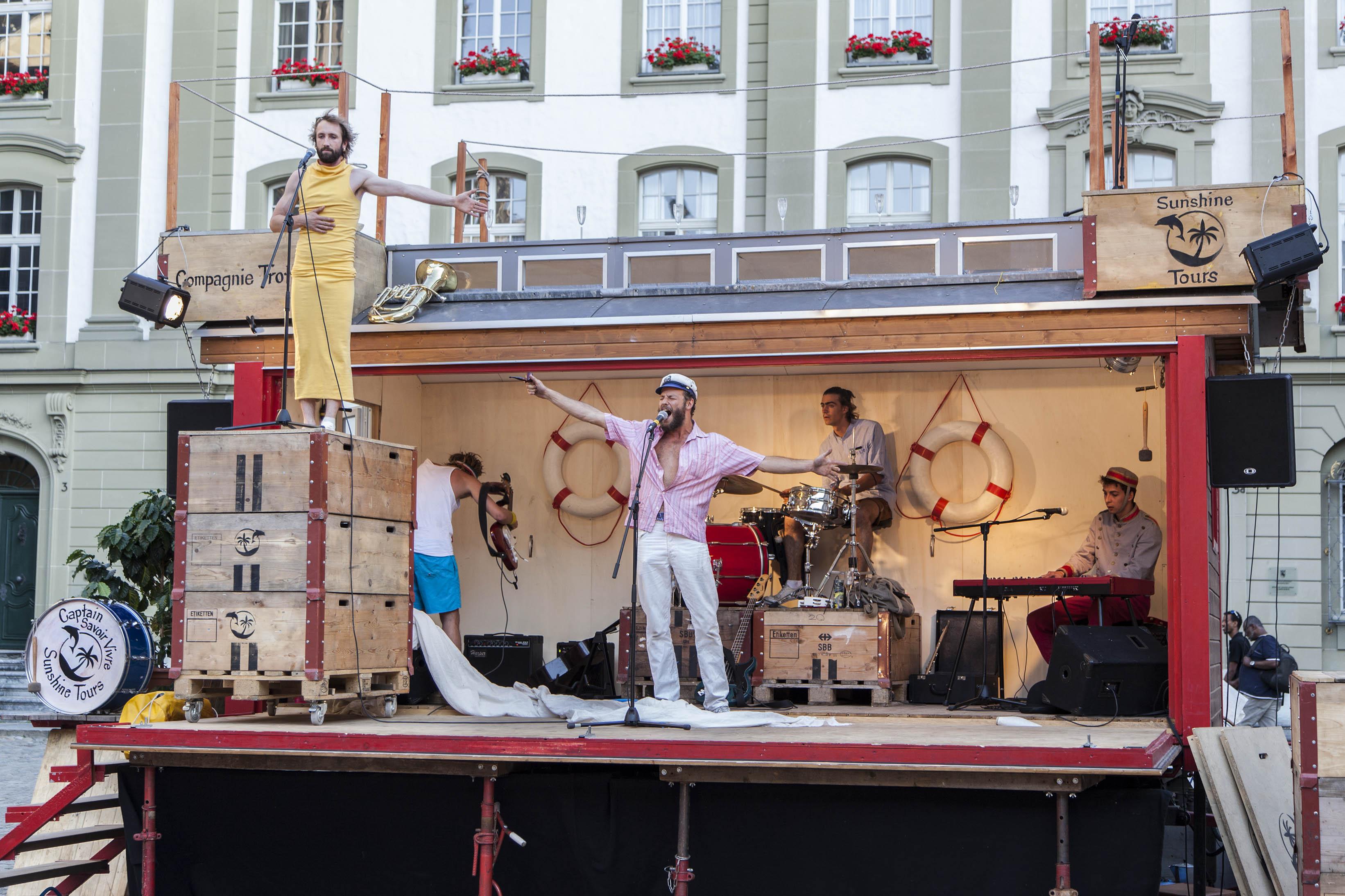compagnie-trottvoir-2015-sofort-savoire-vivre_show_01
