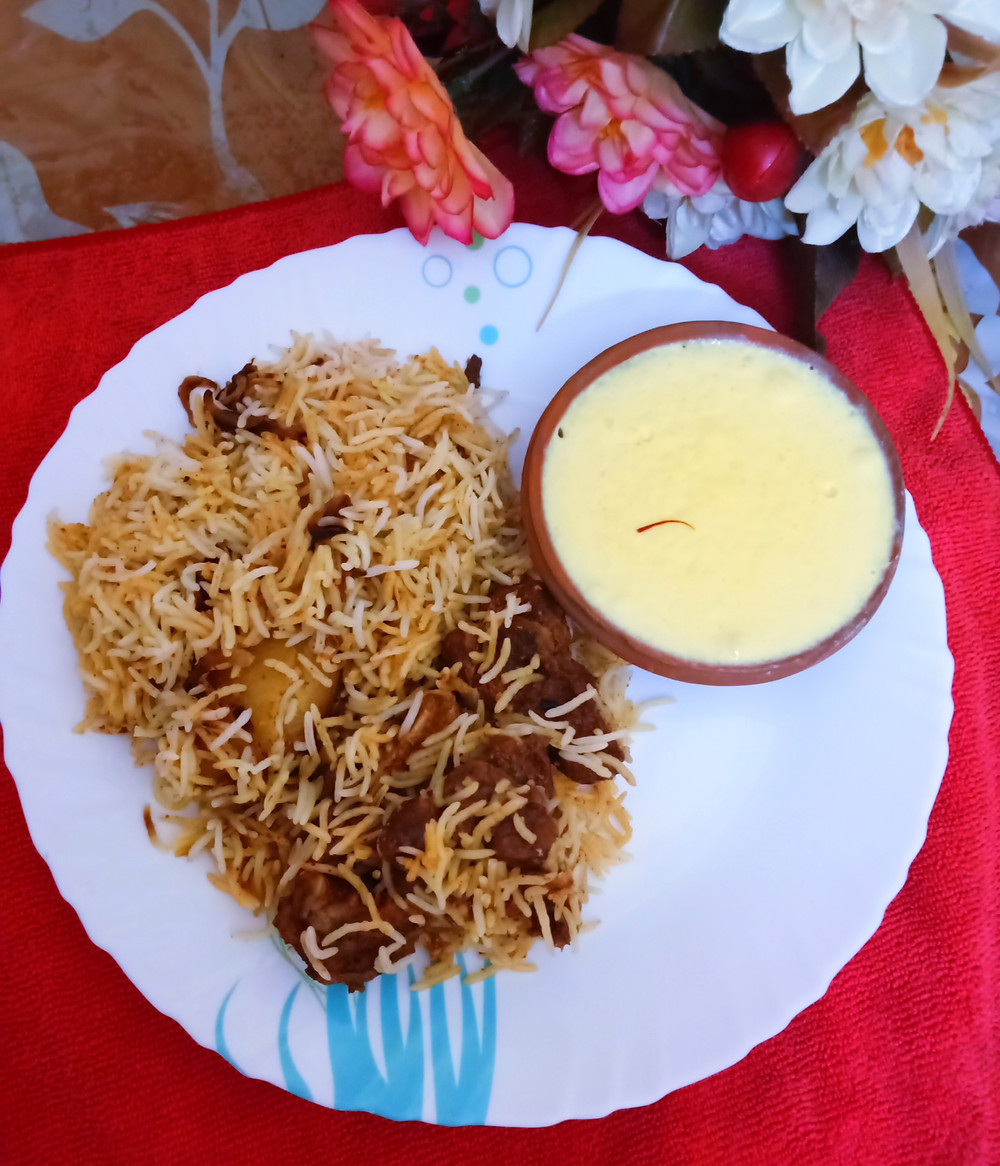 Mutton Biryani is a royal dish that indeed needs no introduction or mentions. The beautifully spiced and fragrant layers of biryani rice centred with juicy, tender meat and masalas, bliss!