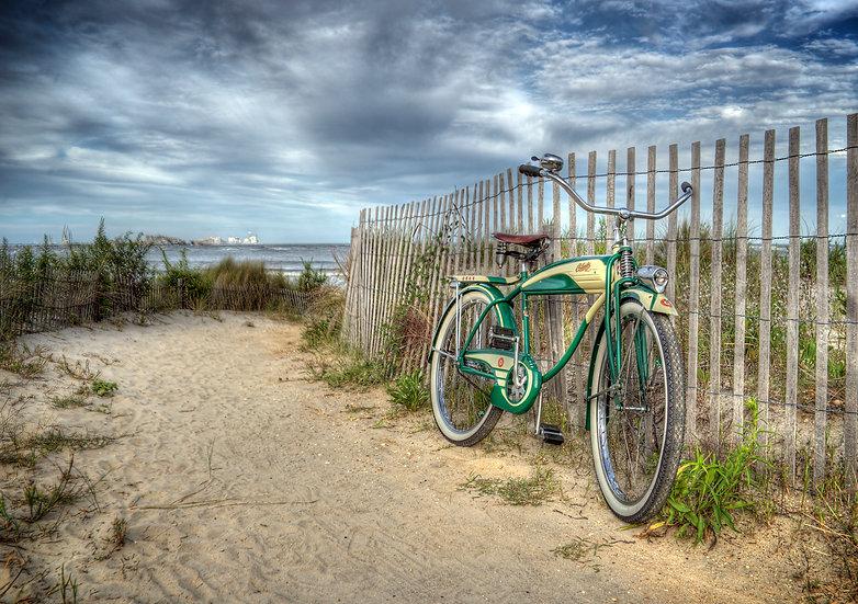 OLD BIKE ON A BEACH PATH img#100717