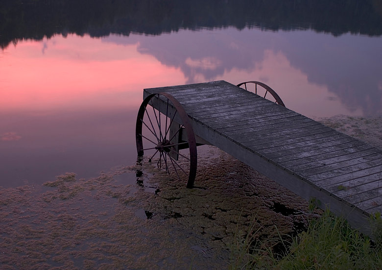 Wagon Wheel Dock At Sunset img#100037