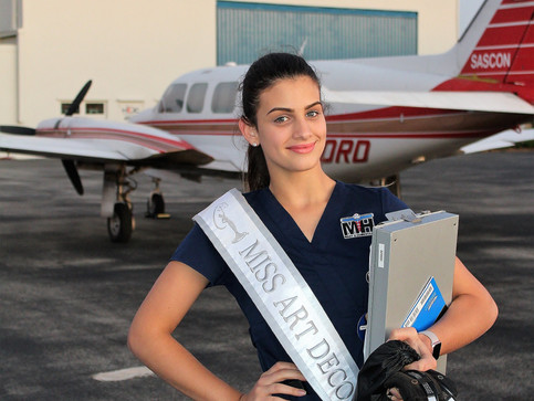 Flying with Miss Teen Art Deco 2017