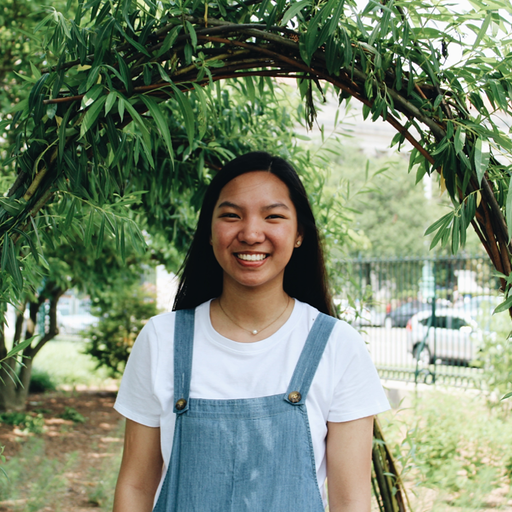Isabel Carino, Social Media Team Leader