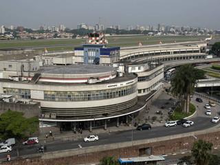 Congonhas e outros quatro aeroportos podem parar por falta de combustível.