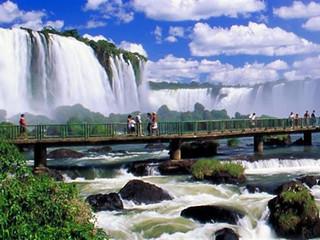 Latam terá voo direto entre Foz do Iguaçu (PR) e Salvador