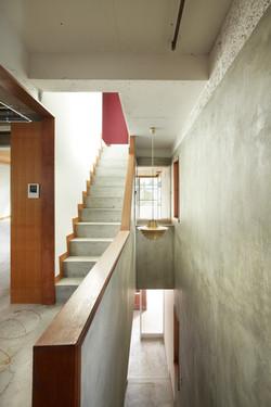 【新規】2階階段室から南側を見る