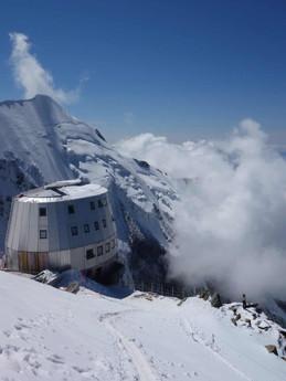 Mont-Blanc-mountain-guiding.jpg