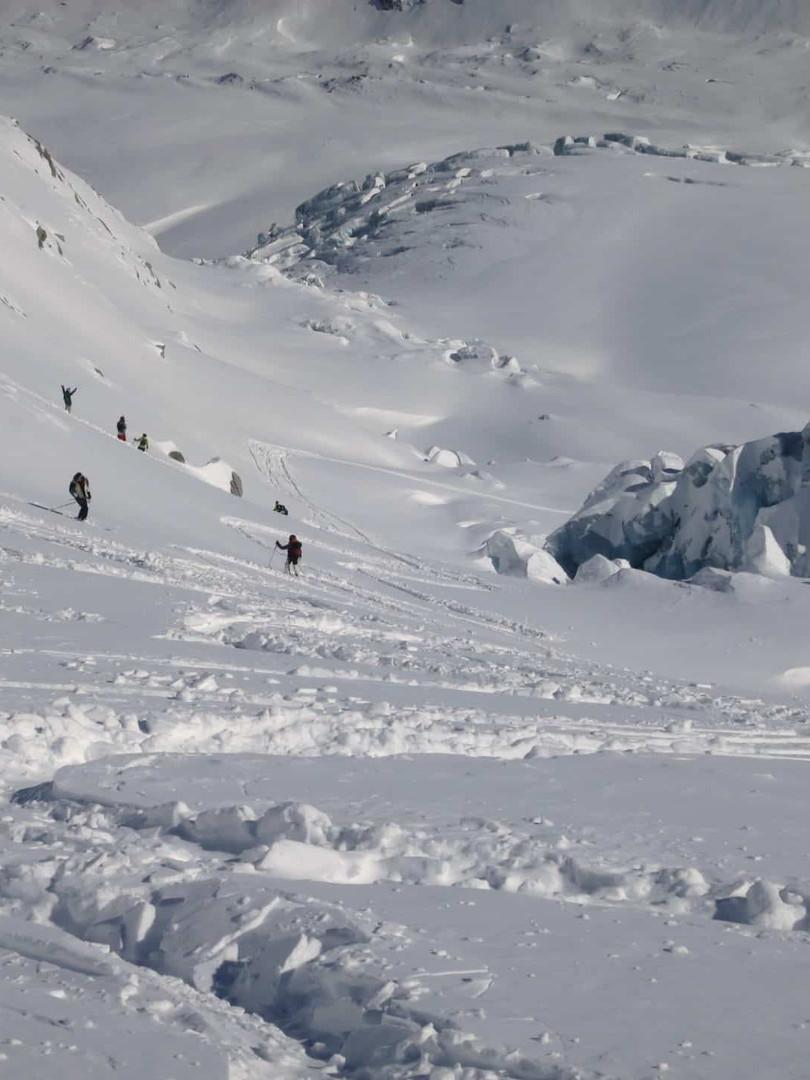 Freeride-skiing-in-La-Vallee-Blanche-3.j