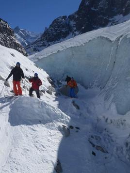 Off-piste-skiing-in-La-Vallee-Blanche-4.
