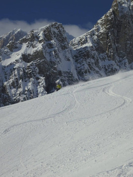 Off-piste-skiing-on-the-Toula-Glacier-2.