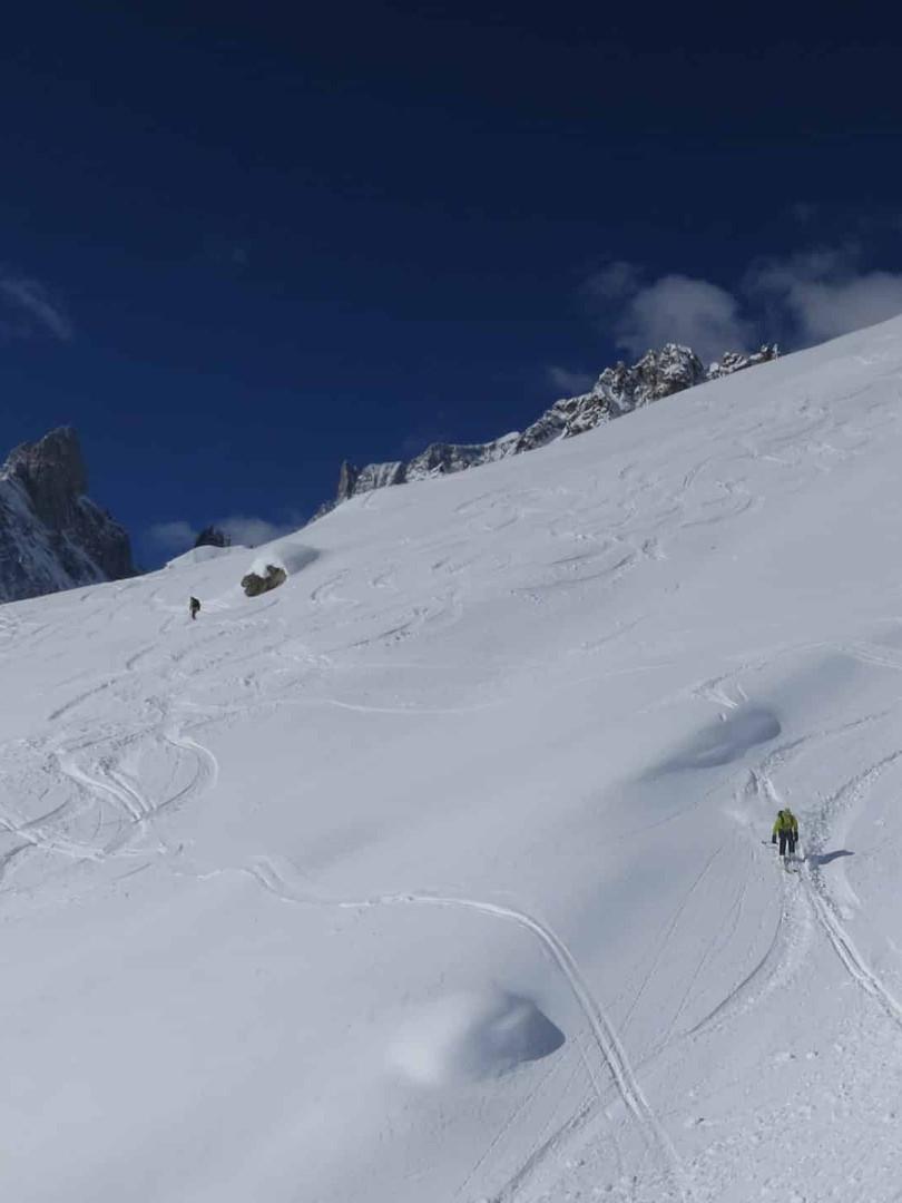 Freeride-skiing-on-the-Toula-Glacier-2.j