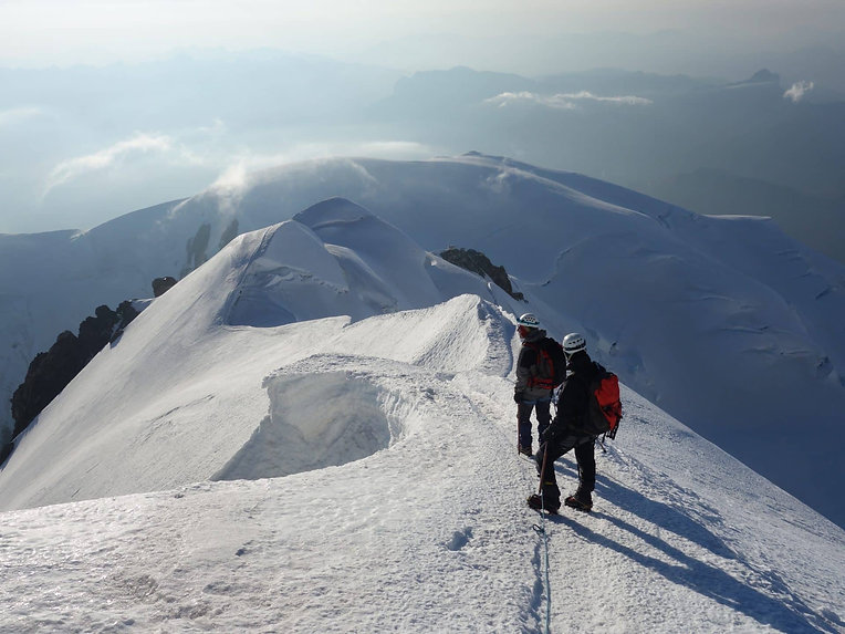 Guided-ascent-of-Mont-Blanc.jpg