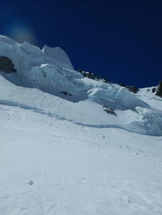 cosmiques-mountaineering-2.jpg