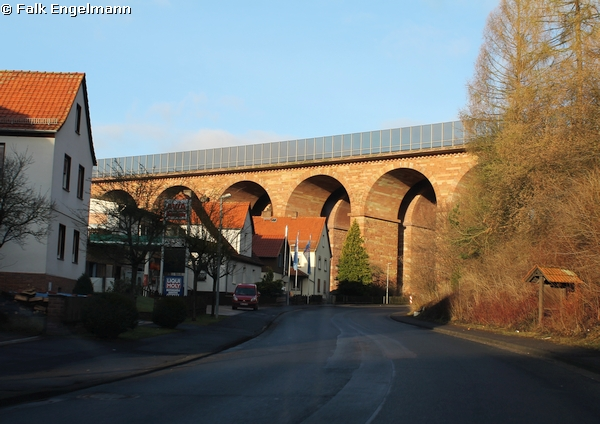 Talbrücke Wommen