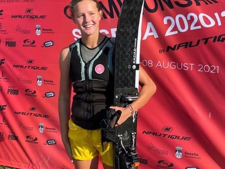 Philippa Attensam holt zweimal U14-Slalom-Gold