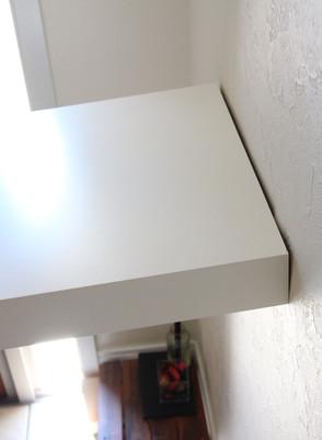 広島県府中市   玄関:既存飾り棚の修理  自分でやるより短時間プロに頼むのが一番   ちぃと大工