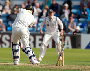 du Plessis bowled Olivier_61Z7455.jpg