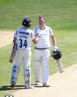 4th c_61Z6382 Gary Ballance congratulate