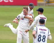 Patto and Lyth celebrate Banton's dismis