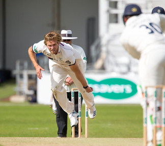 _61Z4143 illey bowling action.jpg