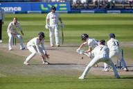19All batsmen under seige , here it's Jo