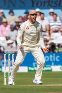 Leach wicket_61Z8135.jpg