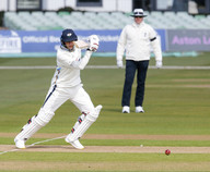 Glorious cover punch from Joe Root_61Z52